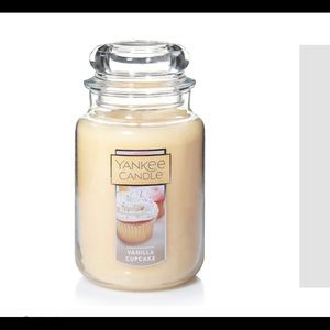 Brand new yankee candle